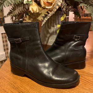 Clarks Womens Sz 8.5 Black Leather Ankle Boots